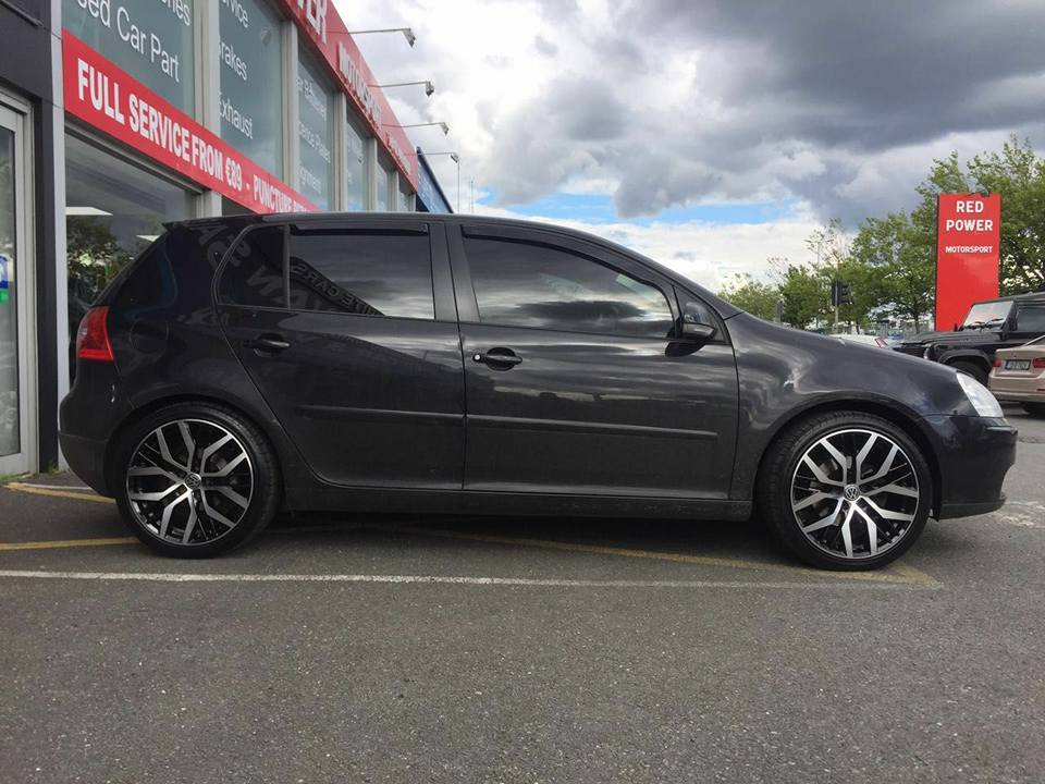 18 Santiago Wheels & Tyres Fitted On Golf Mk5