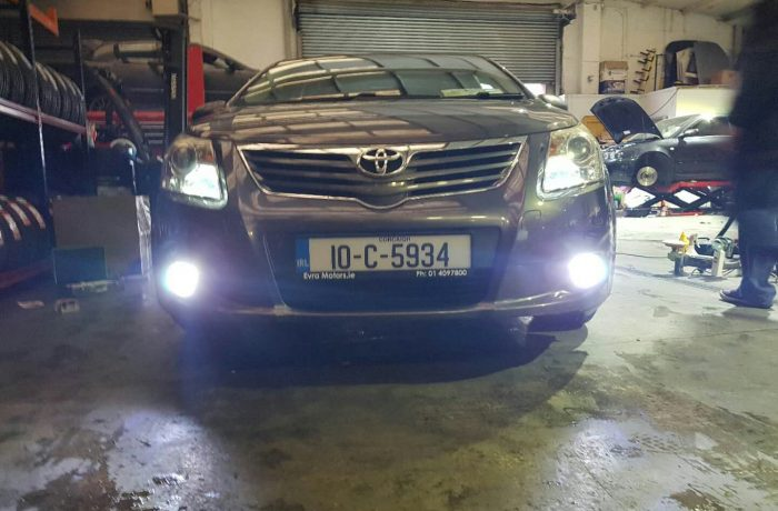 Toyota Avensis Total Led Light Installation Red Power